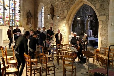 Répétition publique dans l'église